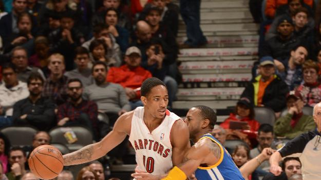 DeRozan scores 32 as Raptors beat Warriors 104-98
