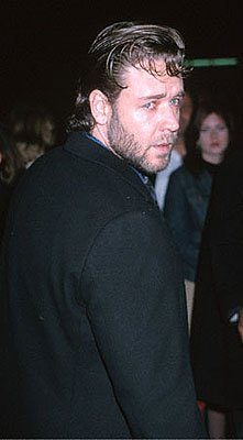 Russell Crowe at the Beverly Hills premiere of Castle Rock's Proof Of Life