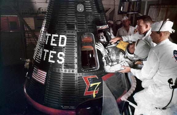 'Sigma 7' at 50: Retro Space Images Recall 5th US Spaceflight