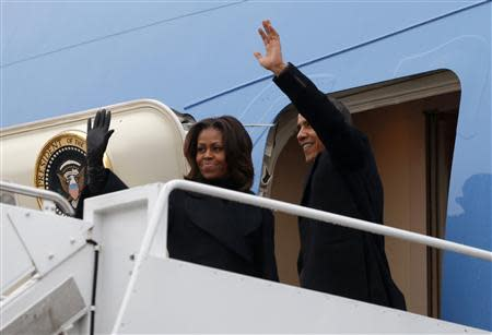 Obama departs Washington for South Africa a memorial service for Nelson Mandela