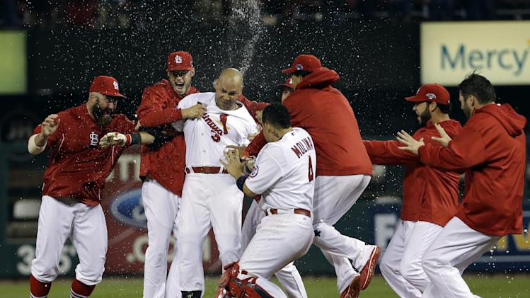 Beltran, Cards top LA 3-2 in 13 in NLCS opener