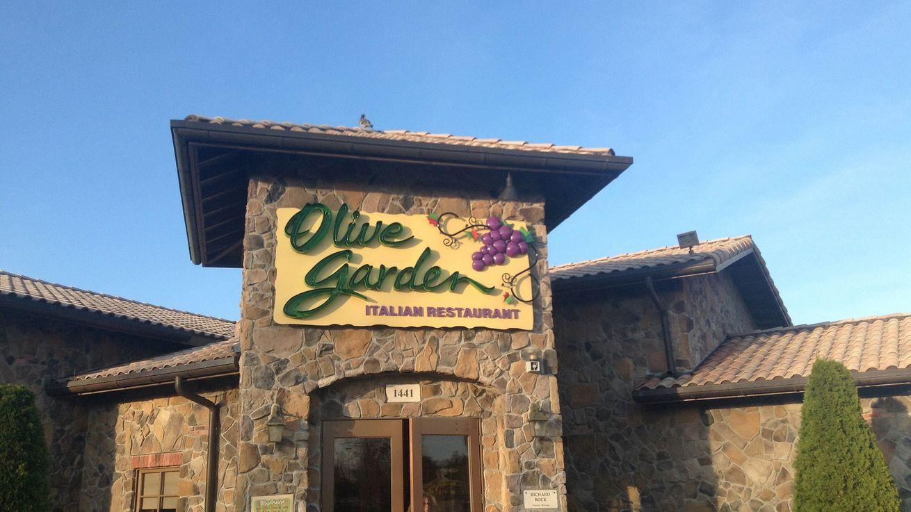 Olive Garden Kicks Out Armed, Uniformed Cop During His Birthday Lunch