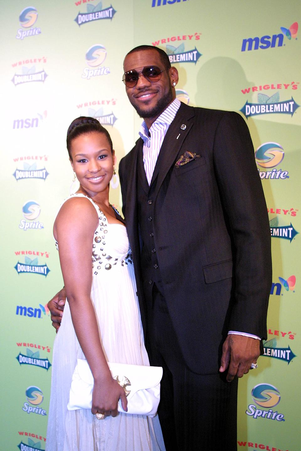 AP Sources: LeBron weds girlfriend in San Diego