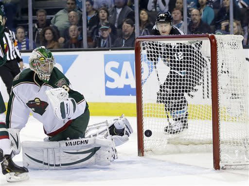 Havlat's 2 goals lead Sharks past Wild 6-1