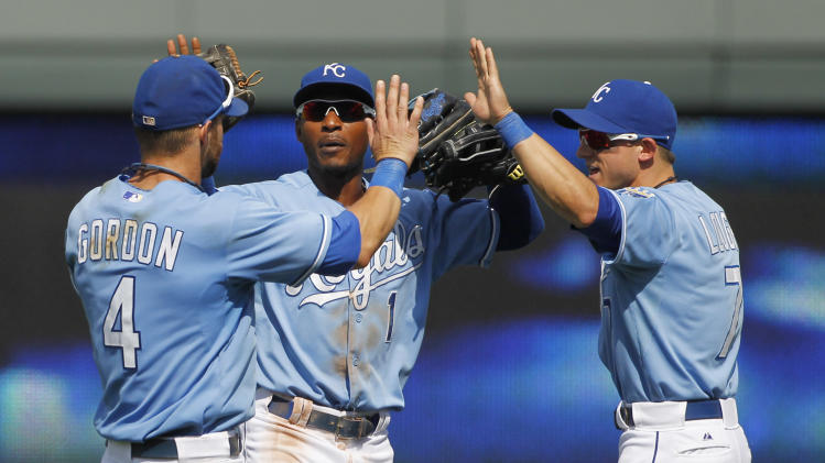 Shields gets rare home win; Royals beat Red Sox