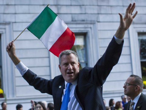 bill de blasio italian flag
