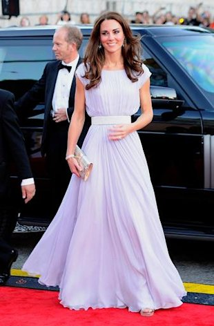 The Duchess started off an evening of gorgeous pastels in an elegant, sweeping, lavender Alexander McQueen gown by Sarah Burton