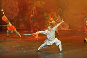 Buddhist monks from China's Shaolin Temple perform …