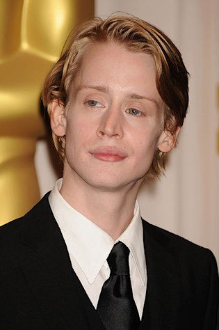 Macaulay Culkin Resurfaces, Attends Natalie Portman&#39;s Wedding