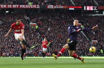 Wenger criticizes Arsenal captain Vermaelen for Van Persie goal in Manchester United defeat