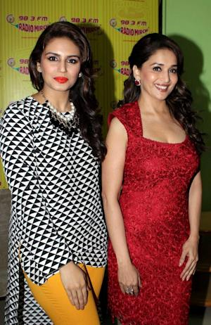 Indian Bollywood film actresses Huma Qureshi (L) and …