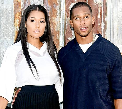 Victor Cruz's Fiancée Elaina Watley Sent Group Text to His Mistresses: Report