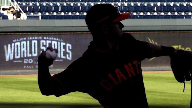 Giants fan excitment builds up in lead up to Game 1 of World Series