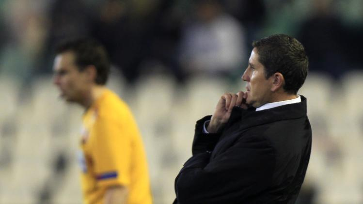 Real Betis' coach Juan Carlos Garrido reacts during their Europa League soccer match in Seville