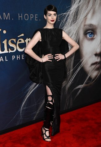 Anne Hathaway attends the 'Les Miserables' New York premiere at Ziegfeld Theatre on December 10, 2012  -- Getty Images