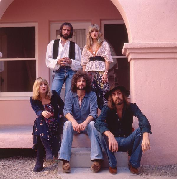 Fleetwood Mac Harmonize Live on 'Monday Morning' - Premiere