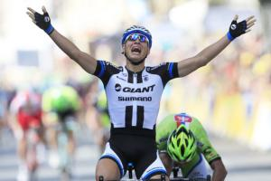 Kittel's thrill, Cavendish spill in 1st Tour stage