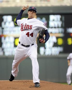 Gibson back on track, Twins top Mariners 5-4