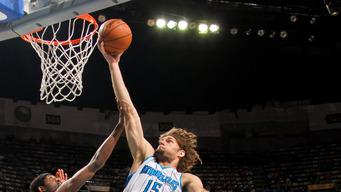 Davis, Gordon lead Hornets past Kings 110-95