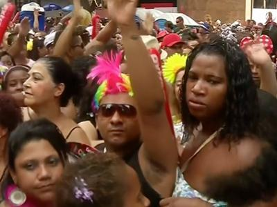 Raw: Two Million Attend Rio Street Carnival