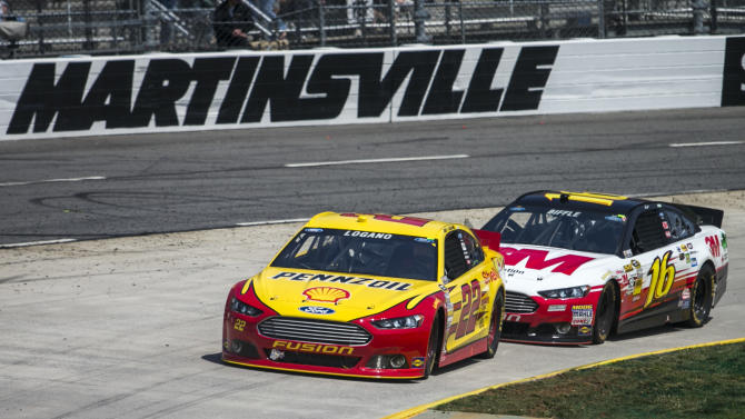 NASCAR Sprint Cup Series: STP Gas Booster 500