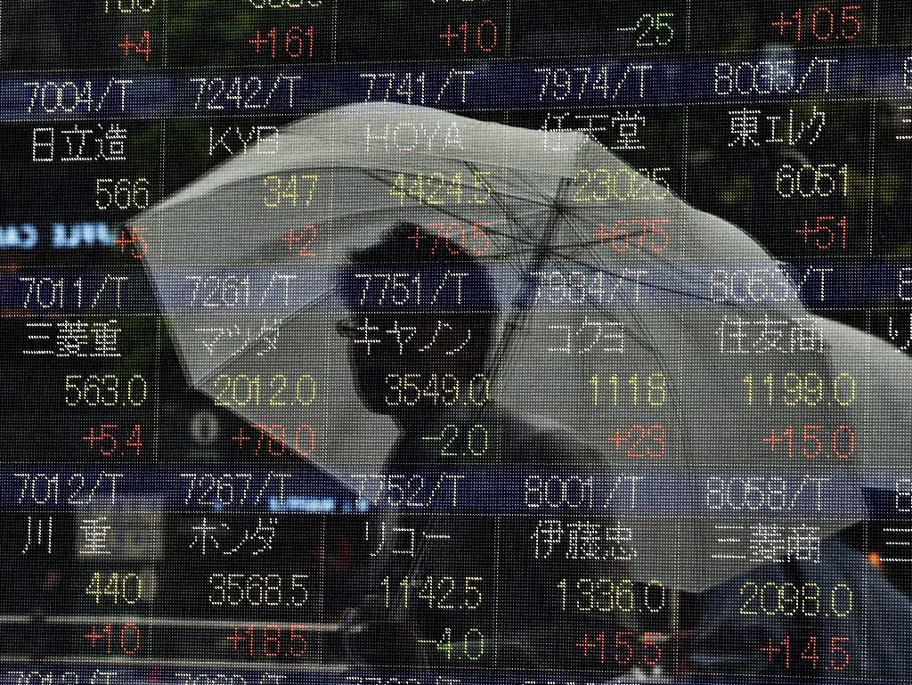 Tokyo stocks surge more than 3% on global rebound