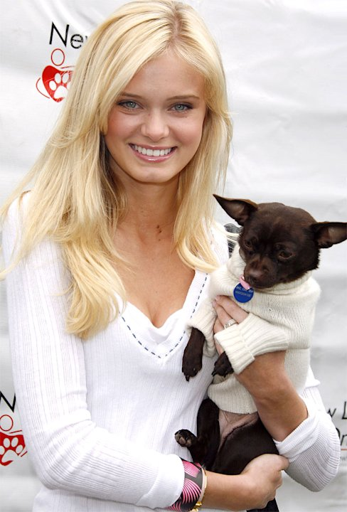 Sara Paxton and dog