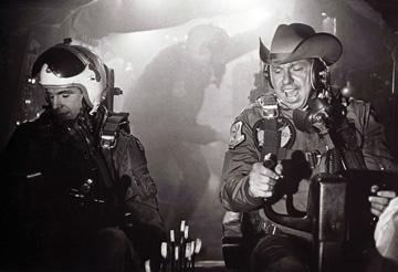 Shane Rimmer and Slim Pickens in Dr. Strangelove