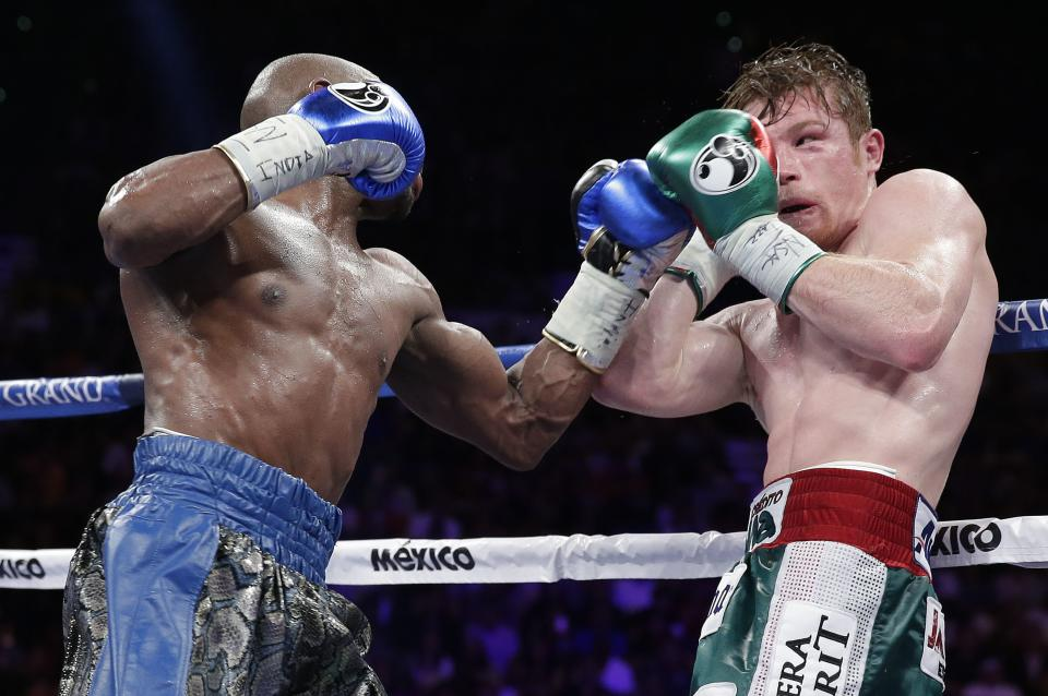 Mayweather dominates for easy decision win