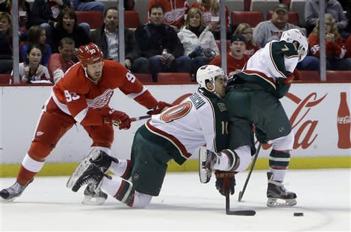 Bertuzzi scores 2 in Red Wings' 5-3 win over Wild