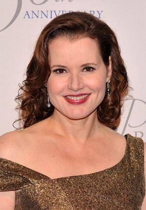 Geena Davis to Star in TNT Bounty Hunter Pilot