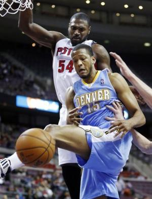 Lawson scores 26 to lead Nuggets over Pistons
