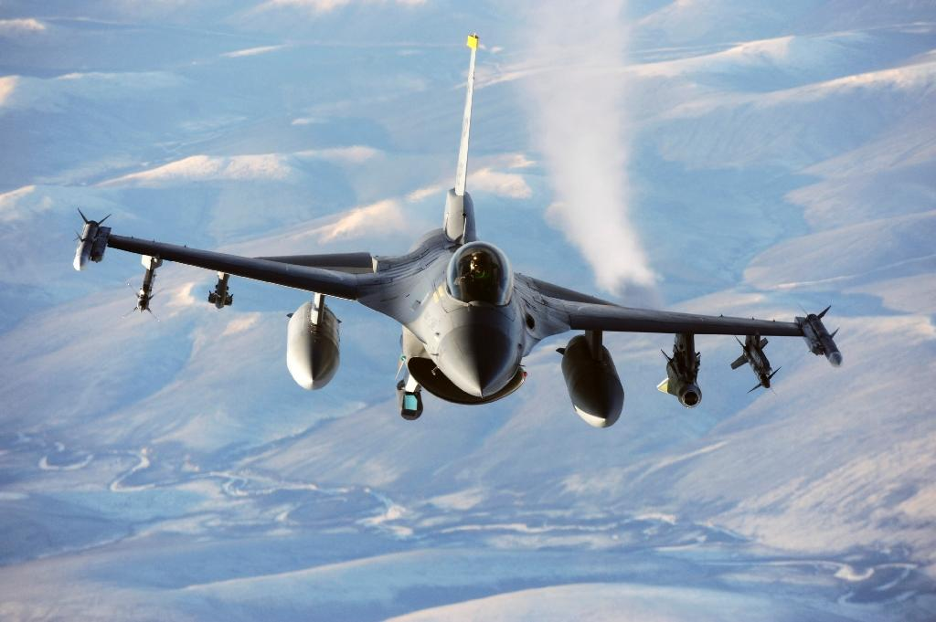 Obama unblocks delivery of F-16s to Egypt