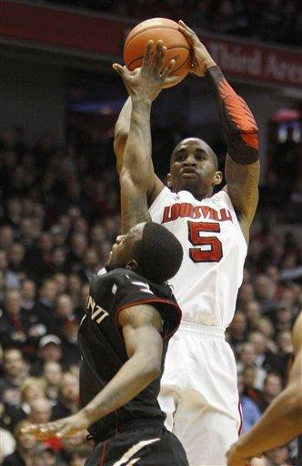 Wright, Cincinnati beat No. 17 Louisville 60-56