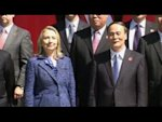Clinton urges China on human rights