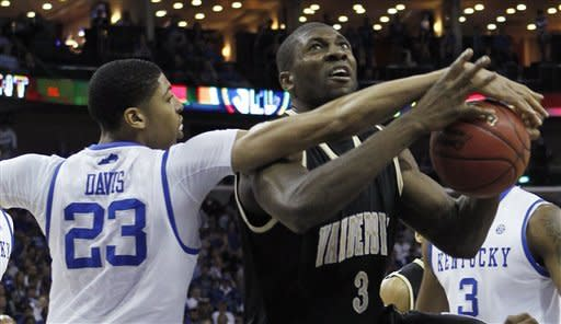 Vanderbilt beats No. 1 Kentucky, 71-64