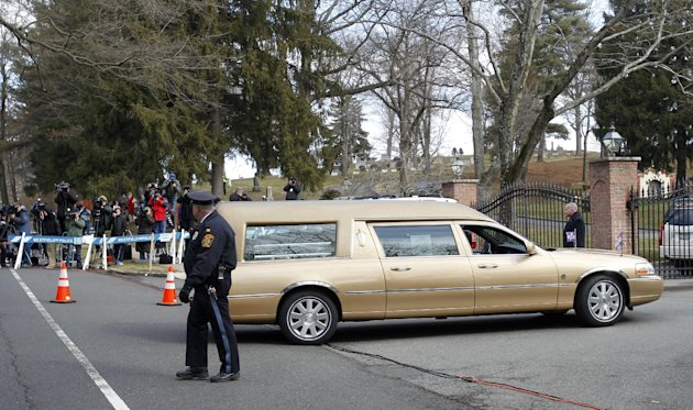 d35b6e8e0b34a905070f6a70670054cd - Whitney Houston laid to rest at private NJ burial