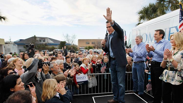 Romney Visits South Carolina Campaign Headquarters