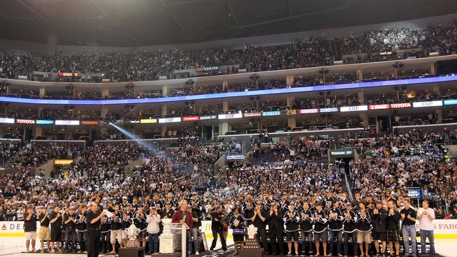 Members Of The Los Angeles Kings And Fans In The Arena Give Head Coach Darryl Sutter Of The Los Angeles Kings A  Getty Images