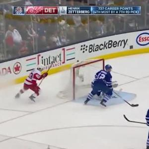 Jonathan Bernier Save on Darren Helm (06:28/2nd)