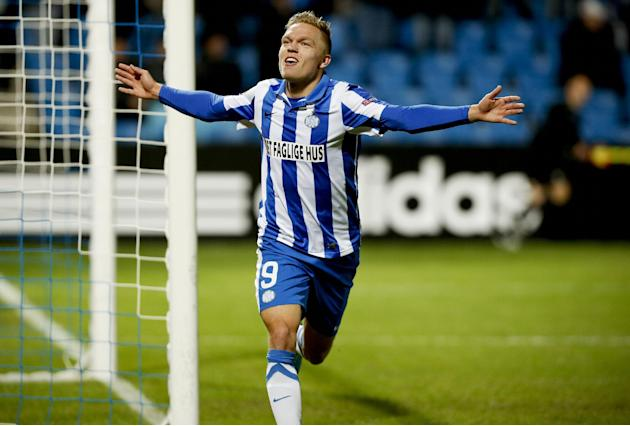 Esbjerg fB's Mick Van Buren, of the Netherlands, celebrates his second and gamewinning goal against Standard Lige, during the Europa League Group C soccer match in Esbjerg, Denmark, Thursday, Nov. 28,