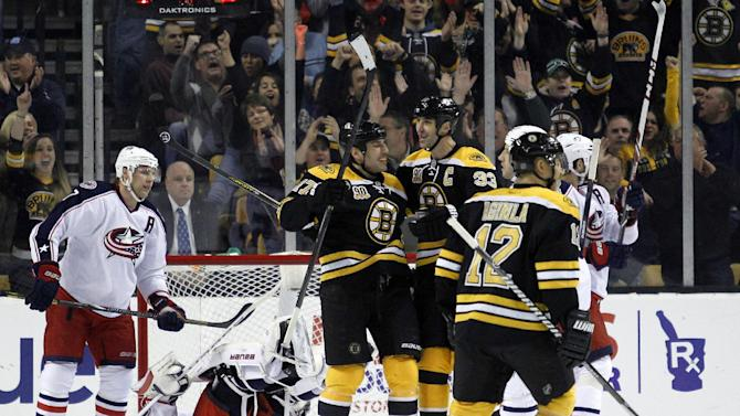 Lucic scores 2 in Boston's 3-1 win over Columbus