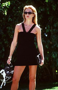 Lauren Holly as Cindy Rooney in Warner Brothers' Any Given Sunday