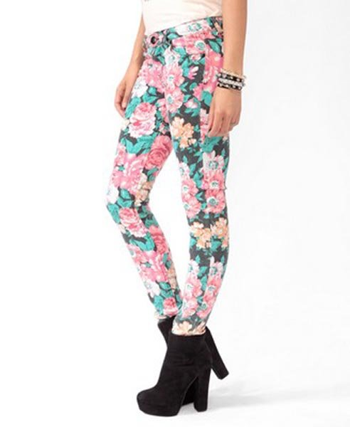 Floral print denim skinnies, $24.80 at Forever21.com