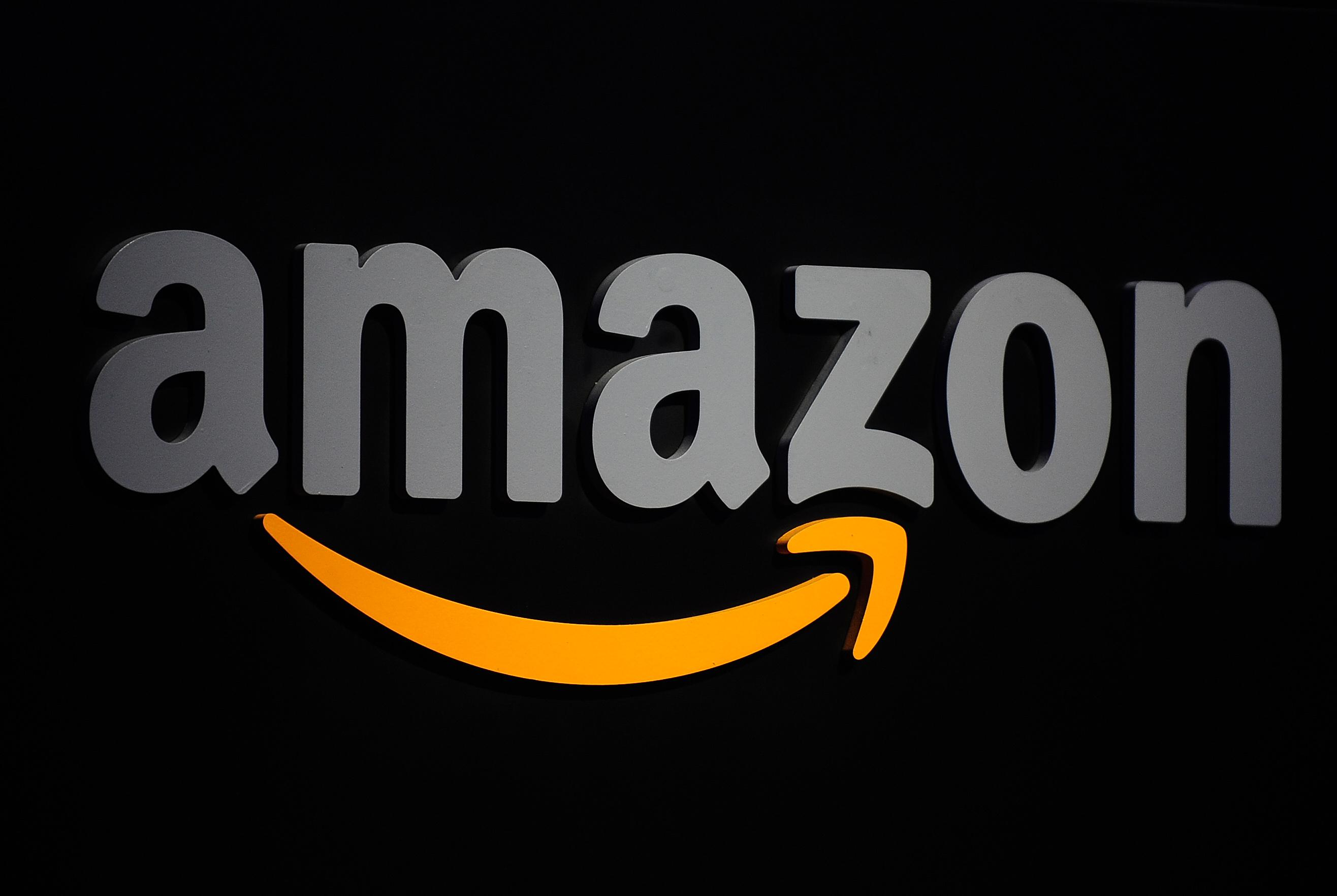 Amazon to offer business email, taking on Microsoft