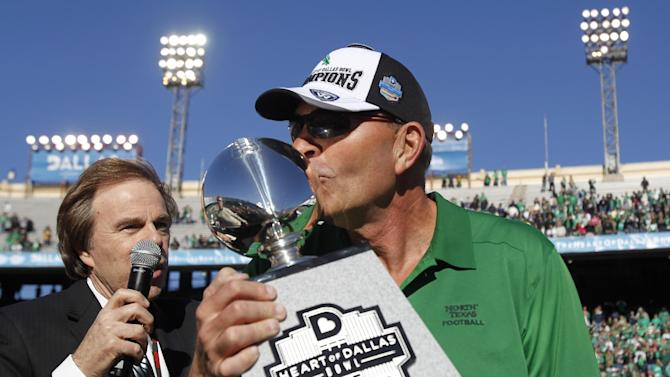 McCarney signs 5-year deal with North Texas