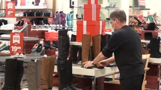 Some retailers, workers bucking trend of Thanksgiving shopping