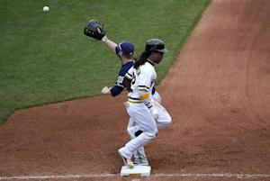 Pirates edge Brewers 1-0, move closer to playoffs