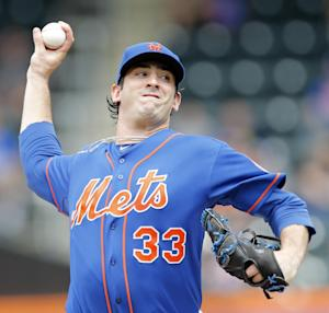 New York Mets starting pitcher Matt Harvey (33) throws in the second inning of a baseball game against the Miami Marlins at Citi Field in New York, Saturday, June 8, 2013. (AP Photo/Paul J. Bereswill)