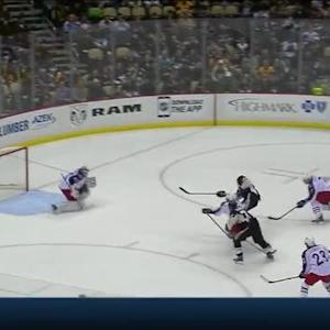 Curtis McElhinney Save on Brandon Sutter (12:53/2nd)